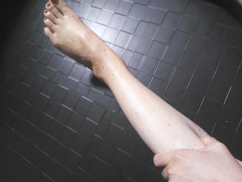 脚に塗ったイルコルポミネラルレッグスムーサー